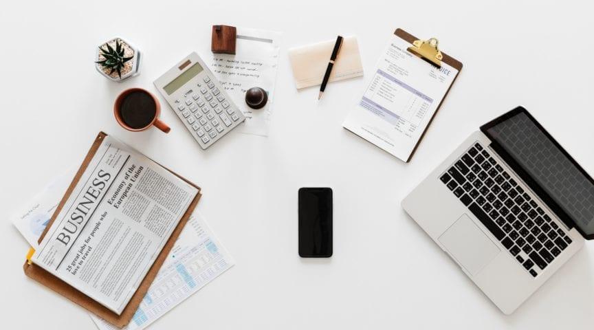Poznaj szefa swego po gabinecie jego – zestawienie serialowych biur i ich właścicieli