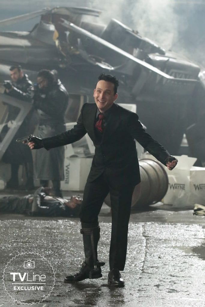 Robin Lord Taylor as Penguin Oswald Cobblepot in Gotham 1 683x1024 - Gotham - nowe zdjęcie Pingwina