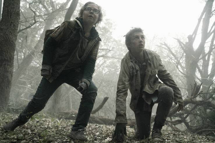 cooper dodson as dylan and ethan suess as max in fear the walking dead 1