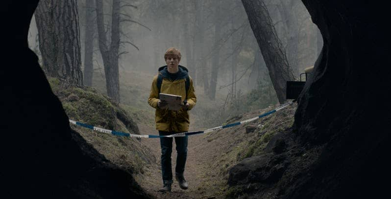 louis hofmann in dark season 1