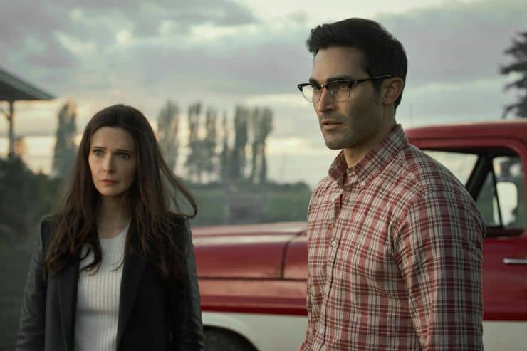 bitsie tulloch and tyler hoechlin in superman and lois