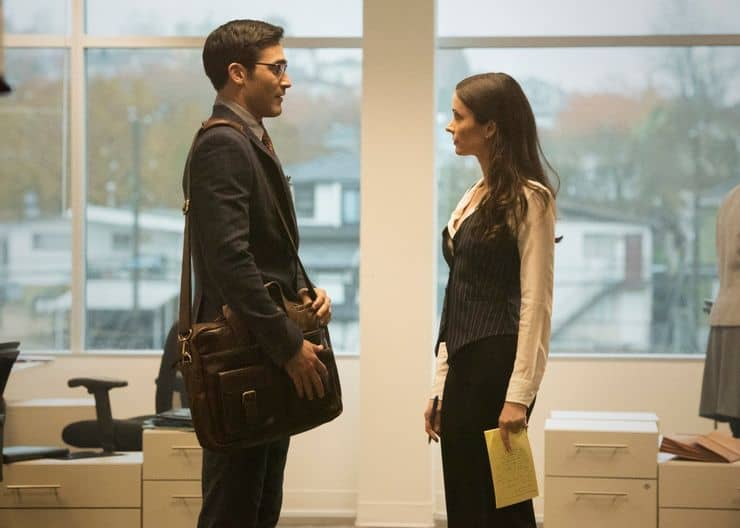 superman lois images reveal clark lois first meeting at the daily planet full